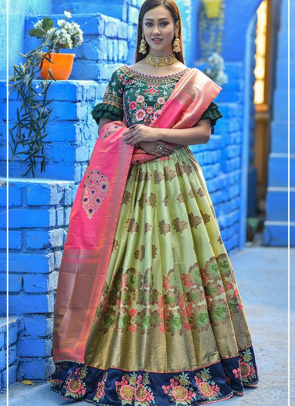 Sareetag Pista  Heavy Designer Weadding Wear Bridal Lehenga